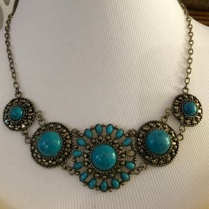 2/$20 Antiqued Gold Tone Turquoise Necklace *L2Q*